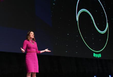 PTC产品与市场战略执行副总裁Kathleen Mitford进行精彩演讲