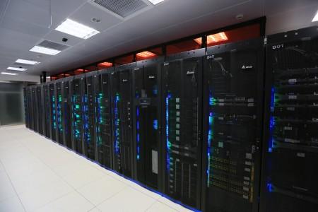 图三 台达吴江数据中心通过采用台达自有产品及节能方案,年平均PUE值达到1.29的黄金级