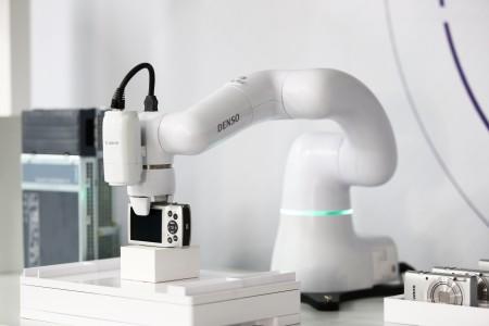 制造现场图像处理软件可以通过电装的COBOTTA机械手臂以及N10-W02工业摄像机协同工作