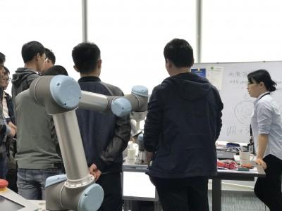 优傲学院 UR机器人