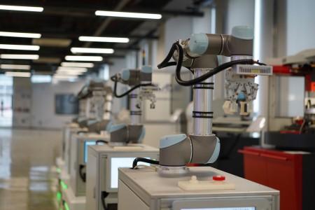 复合机器人3