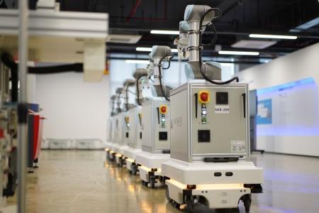 复合机器人